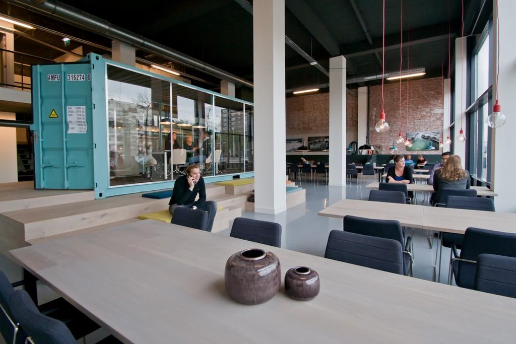 Deze kantoorruimte in Rotterdam is het toppunt van flexibiliteit in werklplek